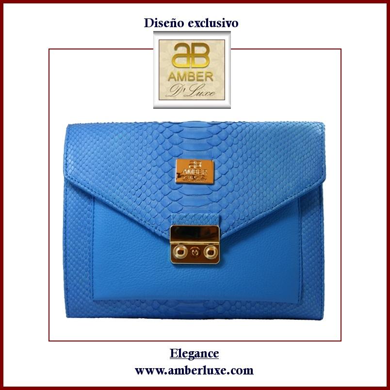 Bolso de piel de pitón auténtica en color azulina. Modelo Elegance
